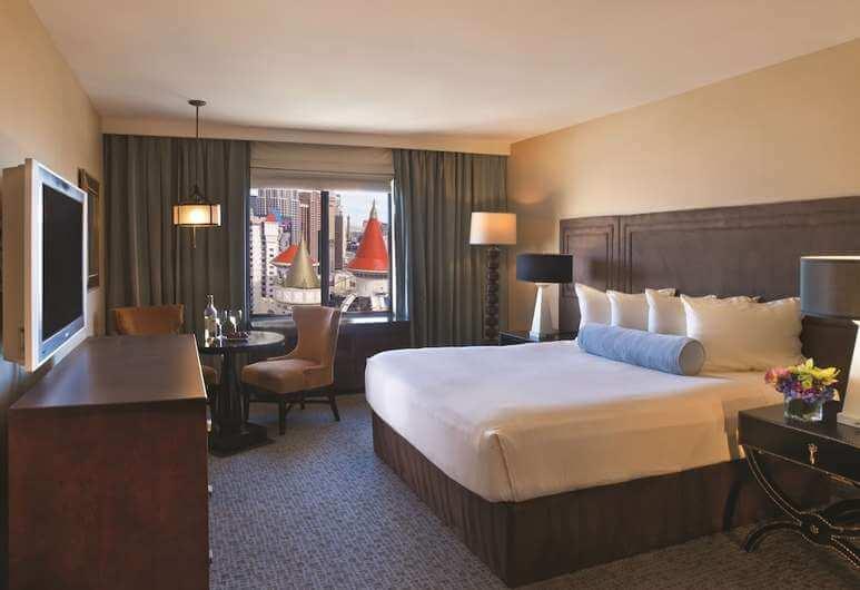free excalibur hotel room