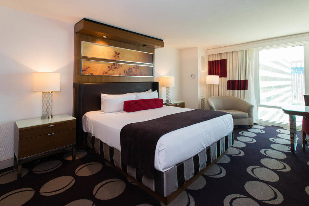 free mirage rewards hotel room